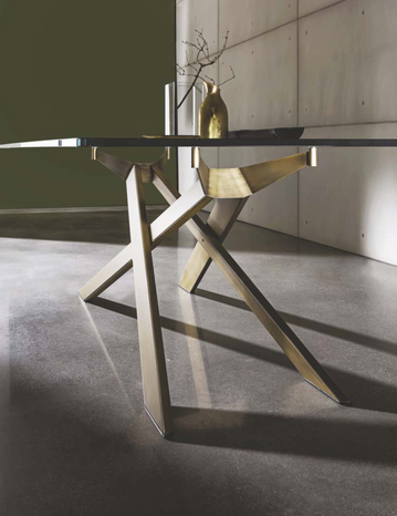 Cross Dining table details