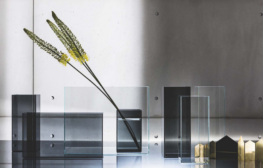 Skyline range of vases