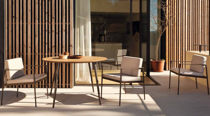 Vint Dining chairs and tables