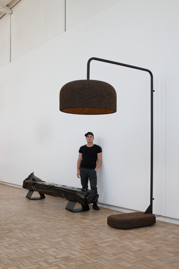 Wiid- Large cork pendant - standing vers