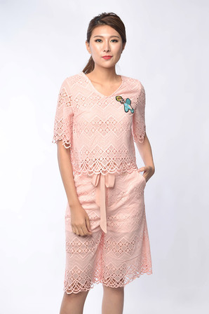 Oriana Lace Set Wear in Pink / White