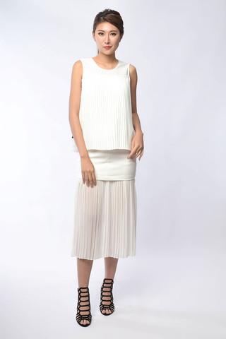 Sanaz Pleated Skirt in White / Black