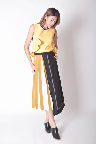 Hynloe Tied Bow Sleeveless Top in Yellow / Pink