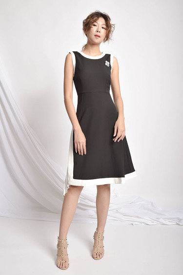 Kayta Flattering Dress