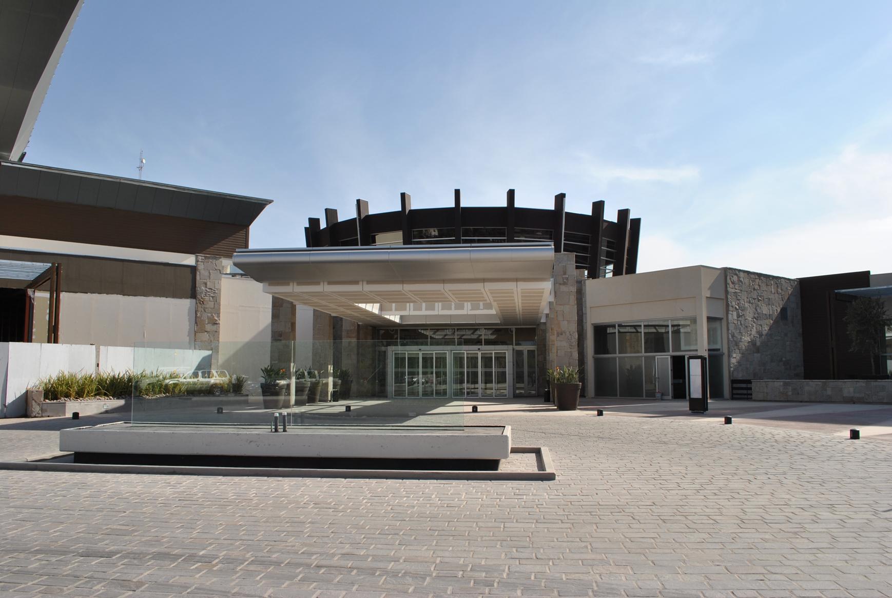 Entrada al Casino Arena Maipú