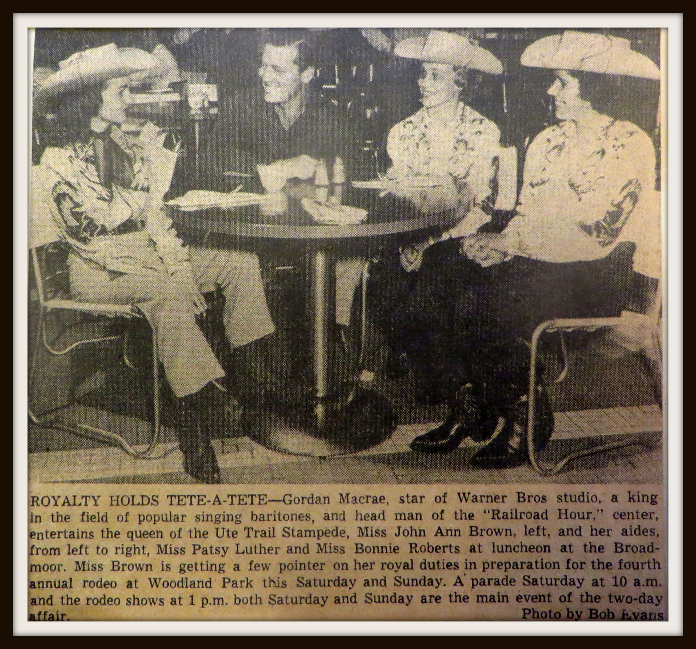 i 1951, John Ann with movie star and aides