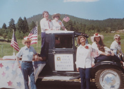 1975 VFW float