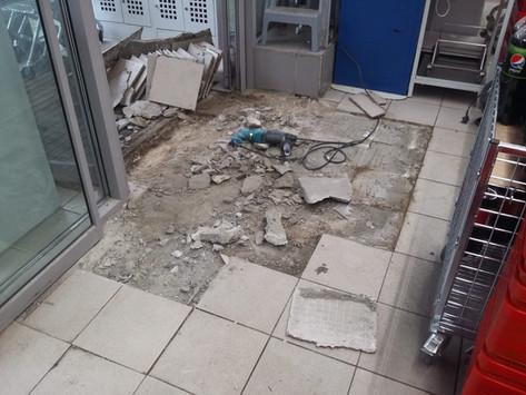 Восстановление плитки на входной зоне магазина