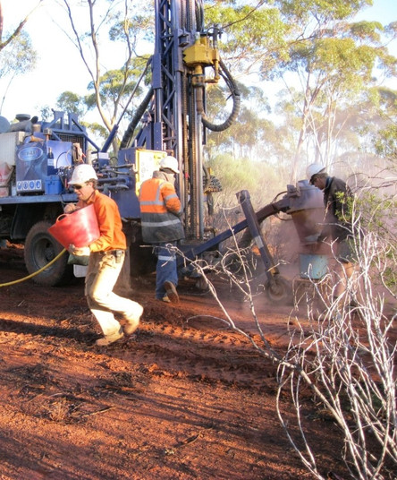 Drilling campaign on M27/263, Silver Swan North Project in November 2010 by Lawson Gold Ltd