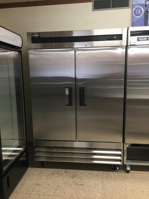 Bison Refrigerator/Cooler (X-BRR-46)