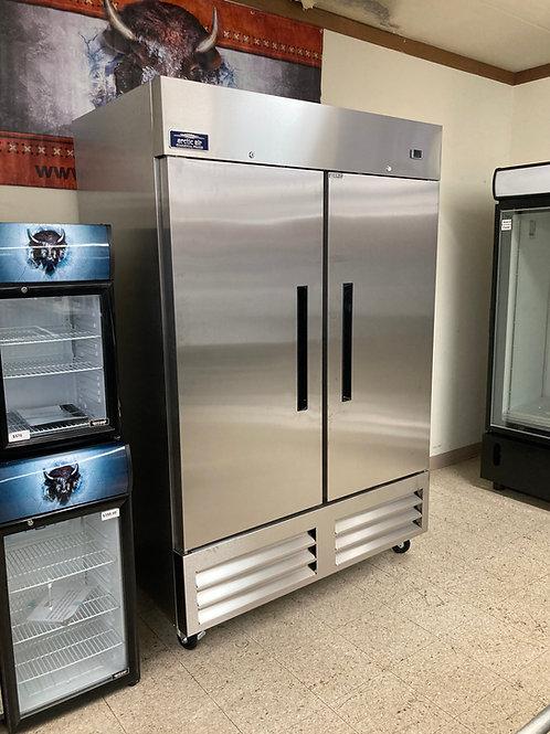 Arctic Air 2 Door Refrigerator (AR49)