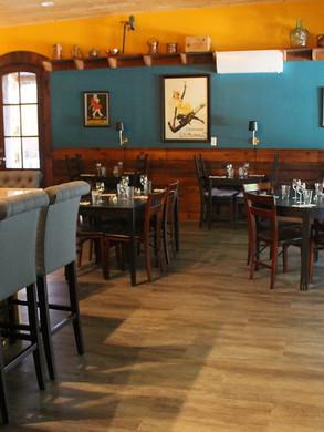 interior - dining03.jpg