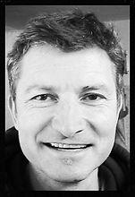 Lothar Niebert grinst in die Pamband-Kamera