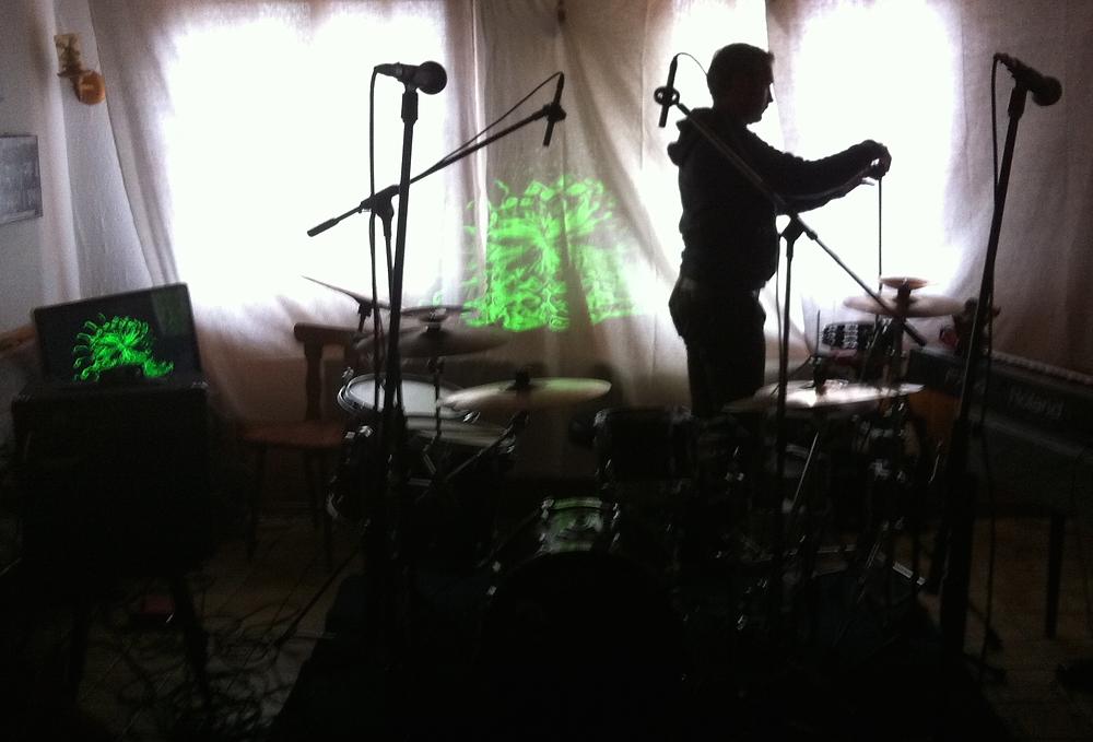 Als erster die drums
