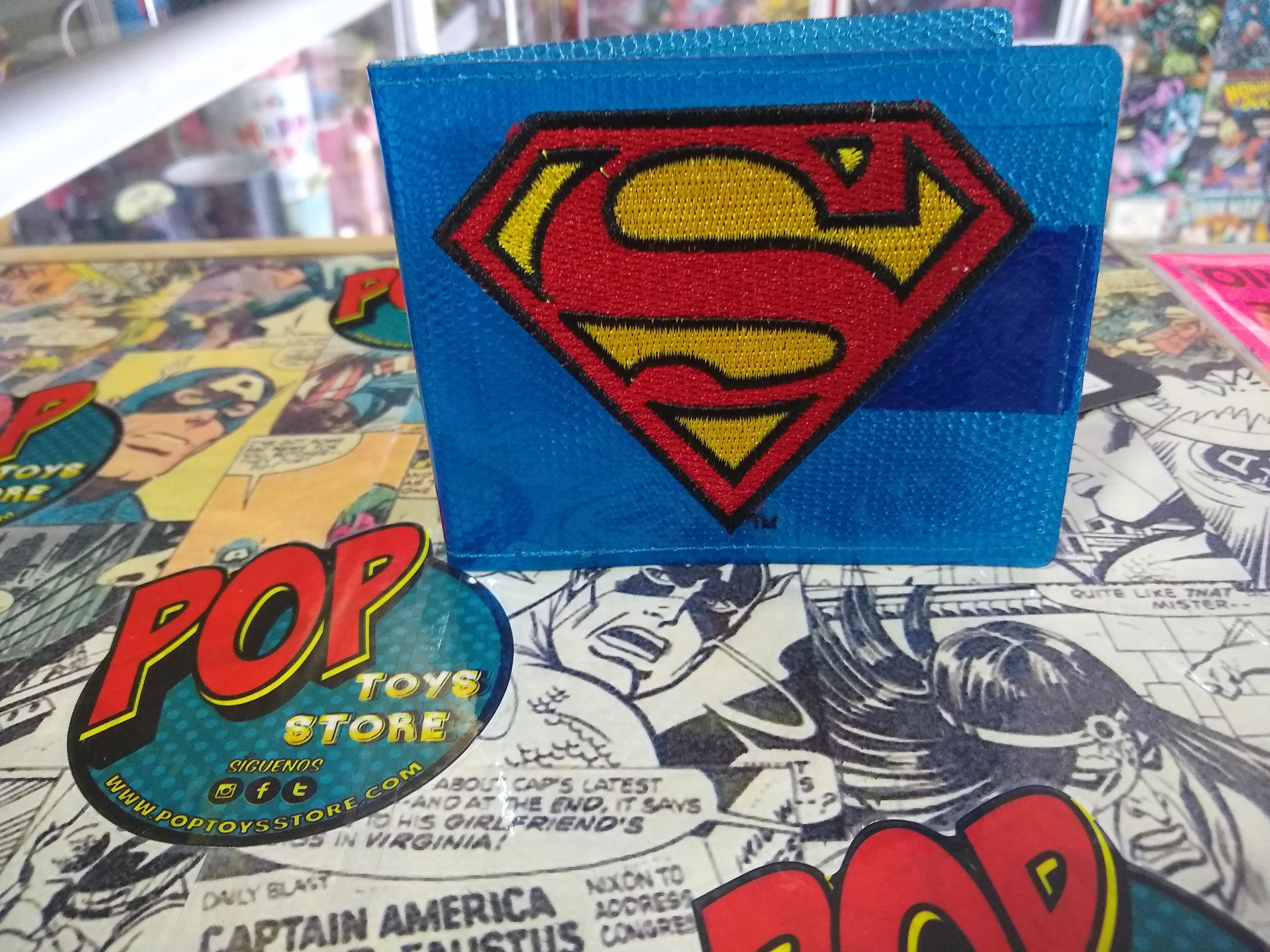 Billetera plastico Superman