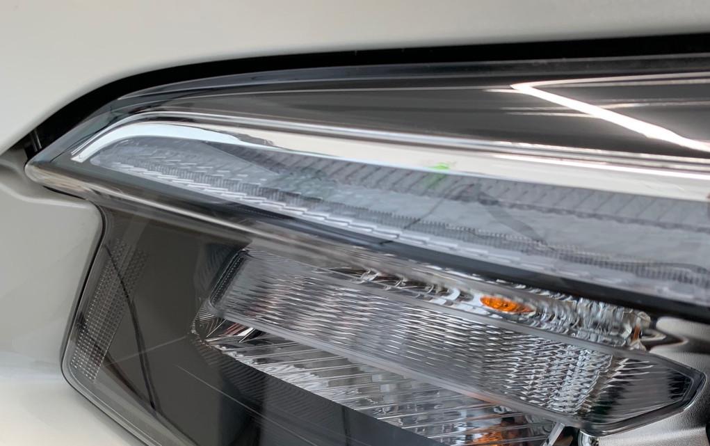 Car detailing - Head light restoration