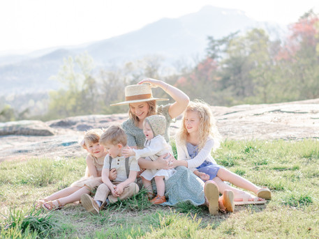 The Traveling Hat Project | Greenville Family Session | The Kindred Path x Gigi Pip