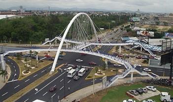 Puente peatonal Ave. 27 de febrero – Ave. Máximo Gómez