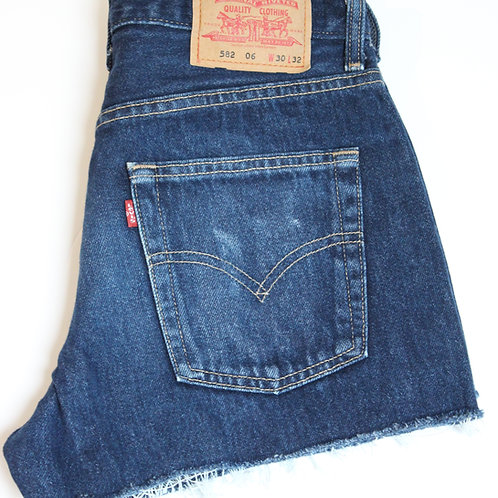 582 Levi Shorts W30