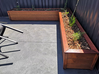 Merbau deck planter boxes.jpg