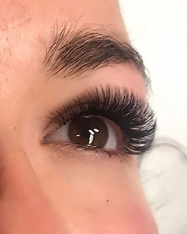 How wonderful life is when your lashes a