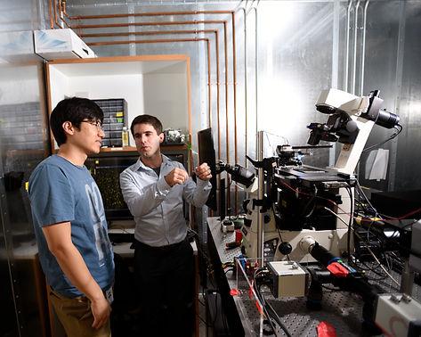 Francois&James_lab.jpg