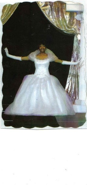 Keri Smith as debutante in 2004