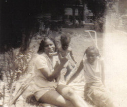 Joanne, Aunt Florence and Betty Jean