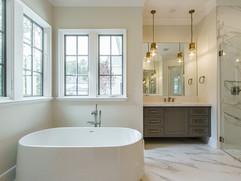 027_ Owner Bath.jpg