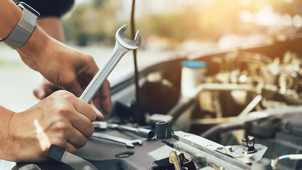 CR-Cars-Inlinehero-car-maintenance-durin