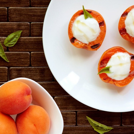 Grilled Apricots with Yogurt & Honey