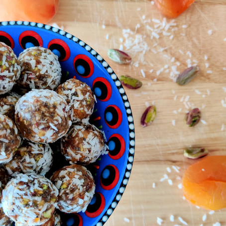 Apricot, Pistachio and Chia Seed Energy Balls
