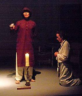 Nivedita kneeling before Vivekananda