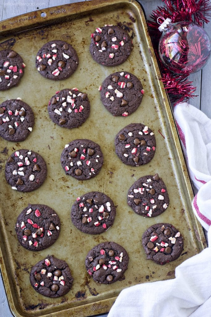 peppermint-double-chocolate-cookies