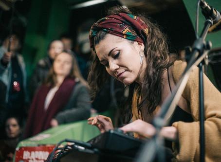 Dojmovi i fotografije s akusticiranja uz Akleu Neon