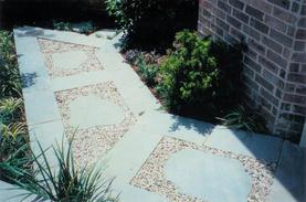 landscaping_stone_walking_path.jpg