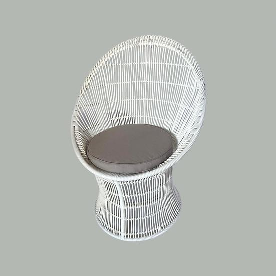 LAYLA: White Bahama Chair