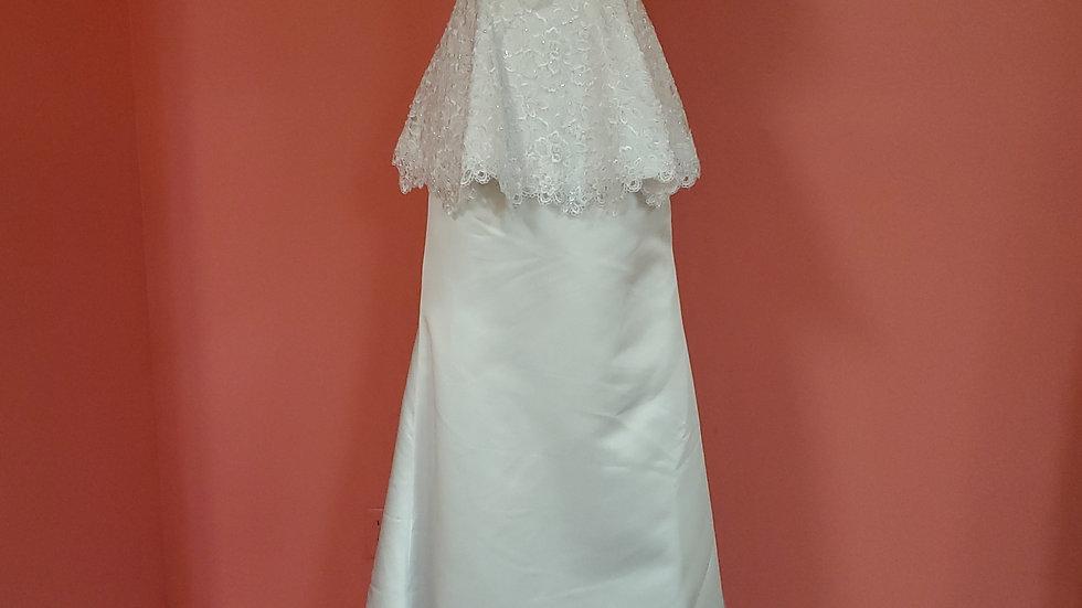 Mary's Bridal size 2,4 & 6