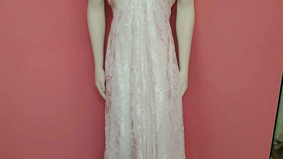 Gown size 16