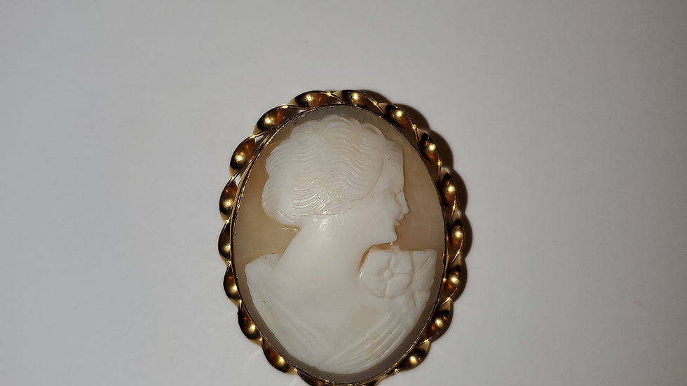 Gold Vintage Cameo