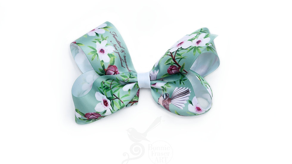 Fantails hair bow clip