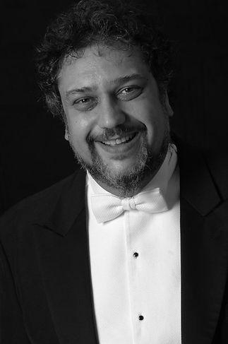 Orkestra Şefi Orhan ŞALLIEL