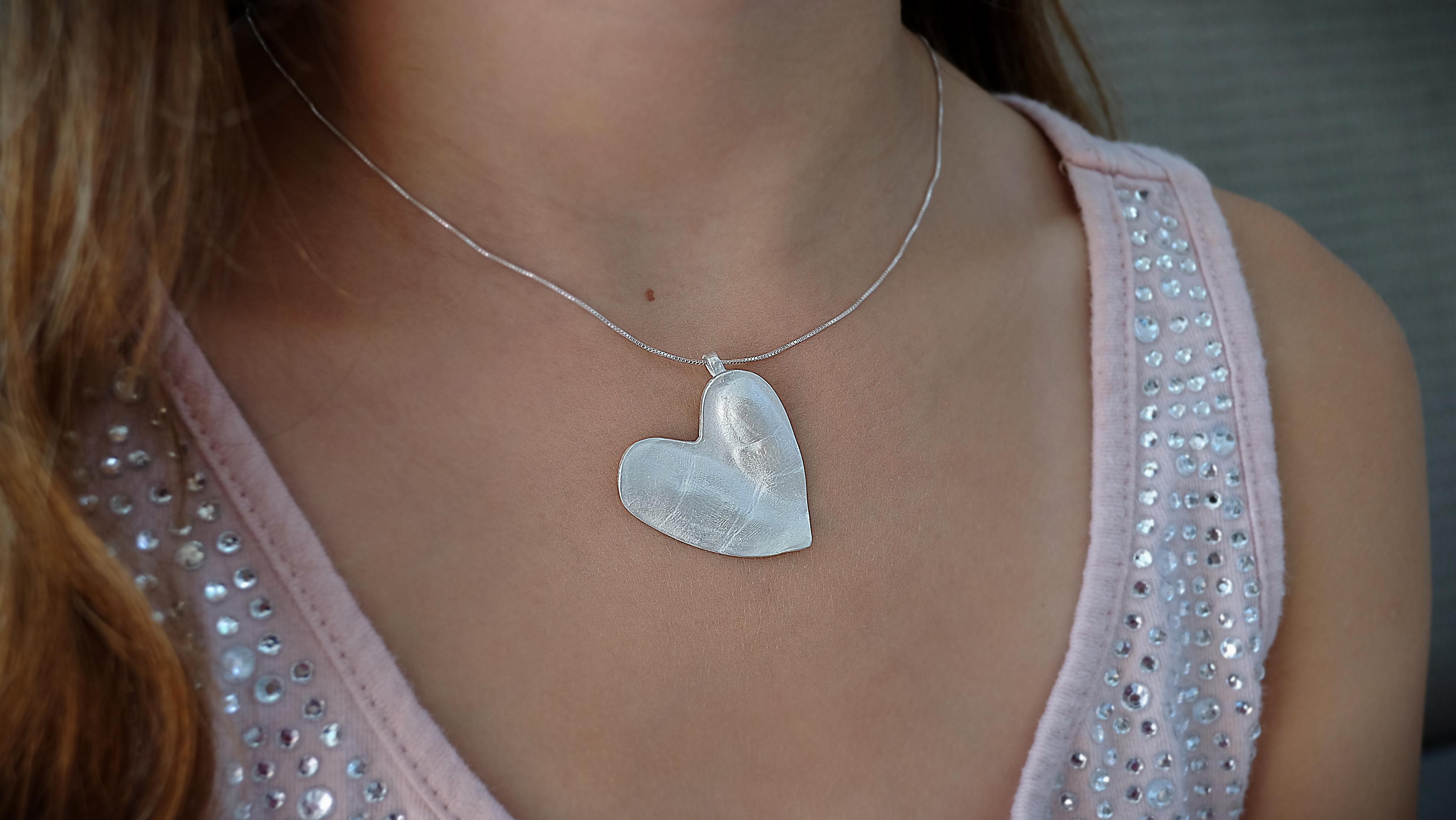 keepsake heart dual fingertips 2