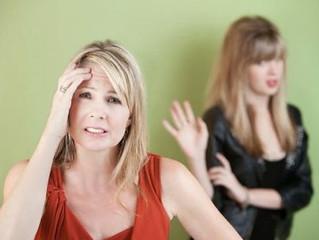 كيف تستعدين لأسئلة ابنك المراهق المحرجة؟