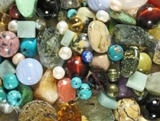 آلية عمل الأحجار الكريمة..