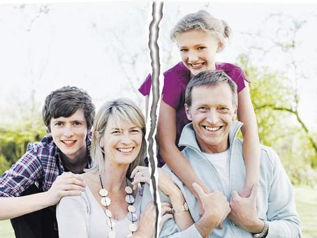 طلاق الوالدين يؤثر سلبا في نفسية إبنهم المراهق