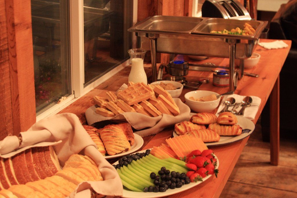 cold-breakfast-buffet-1024x682