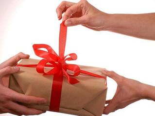 Cuatro aplicaciones para jugar amigo secreto en Navidad