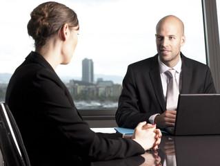 Señales a las que debe estar atento en una entrevista de trabajo
