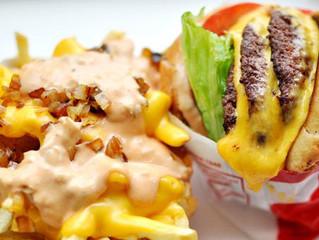 Pasarás 141 minutos en una caminadora para eliminar esa hamburguesa con papas fritas